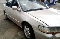 Need to sell high quality 1999 Honda Accord at mileage 170,000 in Ikeja
