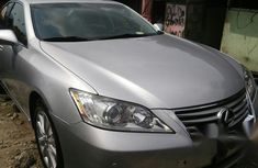 Need to sell grey/silver 2012 Lexus ES at mileage 45,235 in Lagos