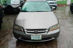 Selling 2000 Honda Accord automatic in good condition