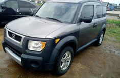 Need to sell high quality grey  2004 Honda Element automatic in Lagos
