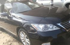Need to sell cheap used blue 2010 Lexus ES automatic in Lagos