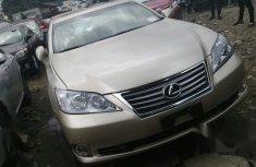 Sell well kept 2010 Lexus ES in Lagos