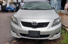 Sell well kept 2010 Toyota Corolla automatic at price ₦2,700,000