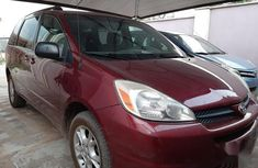Well maintained 2005 Toyota Sienna automatic at mileage 128,645 for sale