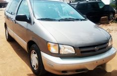 2000 Toyota Sienna van automatic at mileage 98,690 for sale