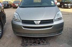 Toyota Sienna 2005 XLE Limited Gold for sale