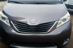 Need to sell high quality 2012 Toyota Sienna at price ₦4,300,000 in Lagos