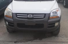 Sell well kept 2004 Kia Sportage automatic at mileage 115,000