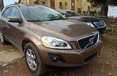Sell well kept 2011 Volvo XC60 in Lagos