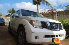 Nissan Pathfinder SE 2005 White for sale