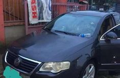 Need to sell cheap 2007 Volkswagen Passat sedan at mileage 174,000