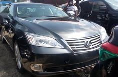 Need to sell high quality 2010 Lexus ES sedan at price ₦4,100,000 in Lagos