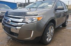 Selling 2014 Ford Edge automatic in good condition