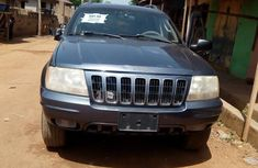 Jeep Cherokee 2006 Gray for sale