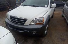 Sell cheap white 2007 Kia Sorento automatic at mileage 1