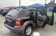 Selling 2009 Hyundai Tucson automatic in Lagos