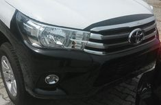 Need to sell cheap new 2017 Toyota Hilux in Lagos
