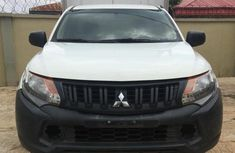 Selling white 2015 Mitsubishi L200 manual at mileage 56,645