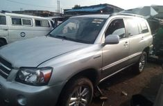 Best priced grey 2006 Toyota Highlander in Lagos