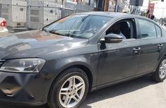 Volkswagen Passat 2014 Gray for sale
