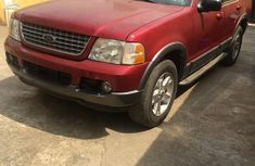 Need to sell 2004 Ford Explorer automatic in good condition in Lagos