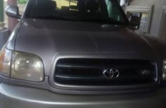 Sell well kept 2001 Toyota Sequoia at mileage 126,000