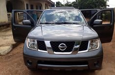 Nissan Pathfinder 2007 4.0 V6 Automatic Gray for sale