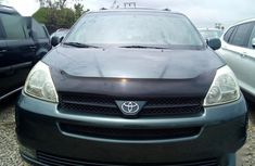 Toyota Carina 2005 Green for sale