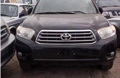 Clean direct used black 2011 Toyota Highlander automatic