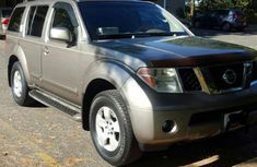 Nissan Pathfinder 2006 Brown for sale