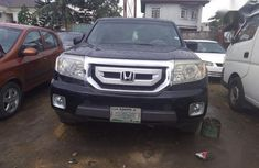 Sell used black 2010 Honda Pilot at mileage 96,000