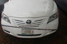 Selling white 2007 Toyota Camry sedan automatic