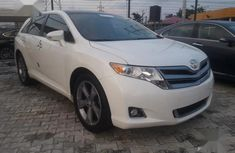Used white 2013 Toyota Venza car automatic at attractive price