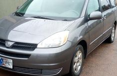 Sell authentic used 2004 Toyota Sienna in Lagos