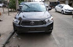 Sell used 2009 Toyota Highlander suv  automatic at mileage 73,000