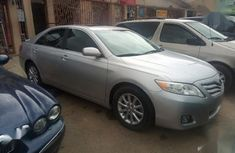 Selling 2011 Toyota Camry automatic in Lagos