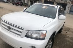Very sharp neat used 2003 Toyota Highlander automatic for sale in Lagos