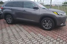 Used 2019 Toyota Highlander suv automatic for sale in Lagos