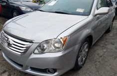 Clean grey/silver 2009 Toyota Avalon car for sale at attractive price