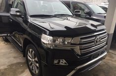 Need to sell high quality black 2017 Toyota Land Cruiser automatic at price ₦23,800,000