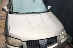 Need to sell gold 2005 Nissan Sentra at mileage 0 in Lagos