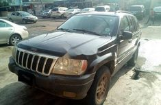 Need to sell high quality 2004 Jeep Cherokee suv automatic in Lagos
