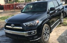 Need to sell 2014 Toyota 4-Runner automatic in good condition in Lagos