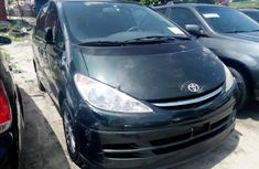 Selling 2002 Toyota Previa automatic in good condition at price ₦2,350,000