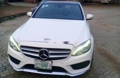 Very sharp neat 2015 Mercedes-Benz C400 for sale in Lagos