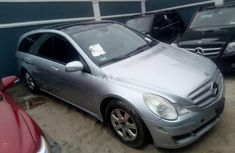 Sell grey 2007 Mercedes-Benz R-Class automatic at cheap price