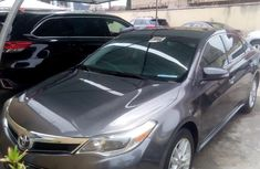 Sell well kept 2013 Toyota Avalon automatic in Lagos
