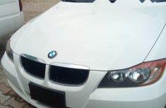Sell used white 2005 BMW 325i sedan automatic