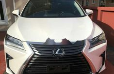 Need to sell cheap used white 2018 Lexus RX automatic in Lagos