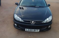 Selling 2004 Peugeot 206 hatchback manual in good condition